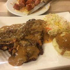 Photo taken at Me'nate Steak House by En H. on 5/29/2015