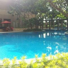 Photo taken at Pool · The Westin Kuala Lumpur 吉隆坡威斯汀酒店 by Aries W. on 11/26/2012