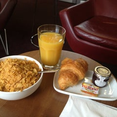 Photo taken at Eurostar Business Premier Lounge by Sharifa A. on 6/28/2013