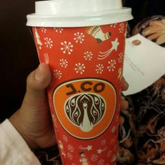 Photo taken at J.Co Donuts & Coffee by Arsita N. on 5/13/2015