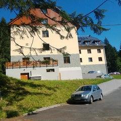 Photo taken at Wellness Hotel Pod Kyčmolem by Marek Ž. on 7/4/2013