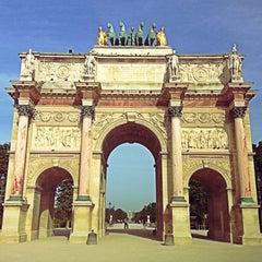 Photo taken at Arc de Triomphe du Carrousel by David on 8/13/2013
