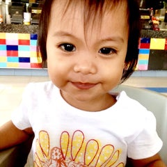 Photo taken at Jollibee by Punky C. on 12/31/2014