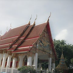 Photo taken at วัดพุทธมงคลนิมิตร (Wat Buddhamongkolnimit) by Chopruk N. on 5/26/2014