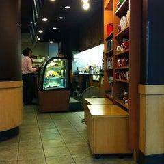 Photo taken at Starbucks (สตาร์บัคส์) by Thomas P. on 11/21/2012