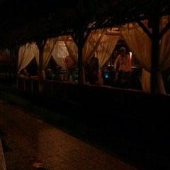 Photo taken at Restoran Istana Bambu by Niena Z. on 10/14/2015