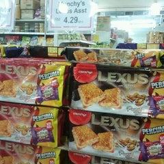 Photo taken at Pasaraya HERO (Hypermarket) by Sitta I. on 9/15/2012