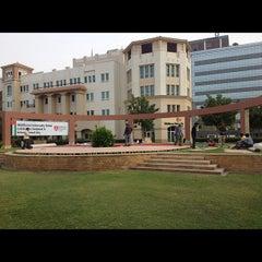 Photo taken at Knowledge Village قرية المعرفة by Rafael M. on 11/27/2012