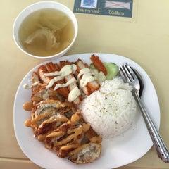 Photo taken at โรงอาหารคณะบริหารธุรกิจ (ACC-BA Cafeteria) by Jirapat D. on 11/13/2015