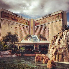 Photo taken at The Mirage Hotel & Casino by Francisco Tiago M. on 1/2/2013