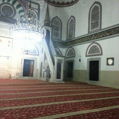 Photo taken at Yeni Cuma Camii by Hakan K. on 7/8/2013