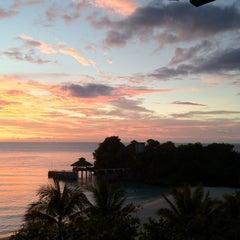 Photo taken at Shangri-La Boracay Resort and Spa by kwang ho k. on 10/28/2012