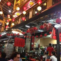 Photo taken at Kim Lian Kee Restaurant (金莲记) by Jon on 2/13/2013