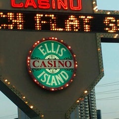 Photo taken at Ellis Island Casino & Brewery by EJ C. on 7/5/2013