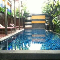Photo taken at Pak Ping Ing Tang Boutique Hotel (พักพิงอิงทาง บูติค โฮเทล) by PK on 9/22/2012