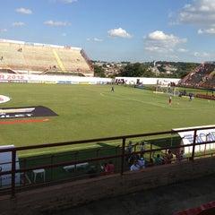 Foto tirada no(a) Estádio Romildo Vitor Gomes Ferreira por Rodrigo C. em 4/21/2013