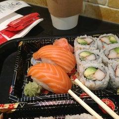 Photo taken at Osaka Sushi Express & Fresh Fruit Drinks by Alexander G. on 10/13/2012