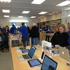 Photo taken at Apple Store by Jessica E. on 3/15/2013