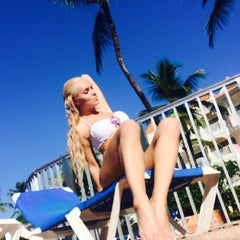 Photo taken at Barcelo Premium Pool by Anna D. on 11/18/2014