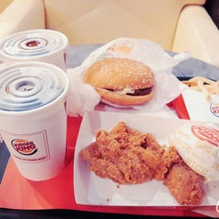 Photo taken at Burger King by Dian C. on 5/10/2015