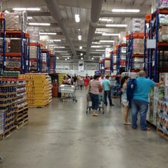 Photo taken at PriceSmart Barranquilla by Carlos T. on 12/24/2012