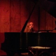 Photo taken at Rockwood Music Hall, Stage 3 by Jennie W. on 9/4/2014