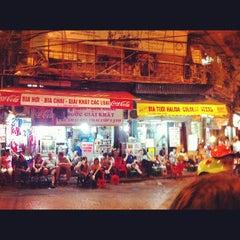 Photo taken at Bia Hơi Corner by @Roem on 11/22/2012