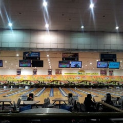 Photo taken at IBC - International Bowling Center by Marco L. on 12/30/2012