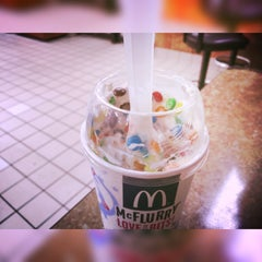 Photo taken at McDonald's by Madelynn E. M. on 6/5/2015
