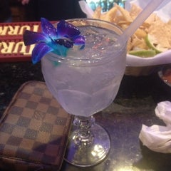 Photo taken at Los Chilaquiles - Bar & Mexican Grill by Elaine Z. on 10/19/2013