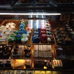 Photo taken at Il Fornaio Bakery by Jocelyn G. on 3/29/2014
