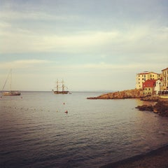 Photo taken at Scogliera di Marciana Marina by Gabriele R. on 9/17/2012