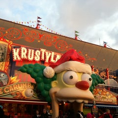 Photo taken at The Simpsons Ride by Nurshaffiqah Z. on 12/31/2012