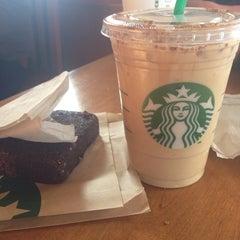 Photo taken at Starbucks by Tonny on 2/7/2014