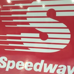 Photo taken at Speedway by Owl _. on 1/1/2016