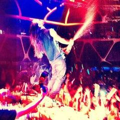Photo taken at Hakkasan Las Vegas Nightclub by Brandon R. on 4/26/2013