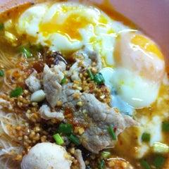 Photo taken at โกบู้รสซิ่ง (Ko Boo Rod Sing) by Pat  Gookaew N. on 10/30/2012