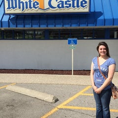 Photo taken at White Castle by Chuq M. on 6/28/2014