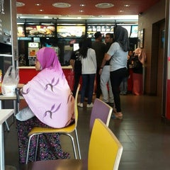Photo taken at McDonald's by Farhan M. on 1/23/2016