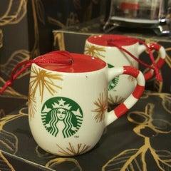 Das Foto wurde bei Starbucks von Bülent E. am 1/1/2016 aufgenommen