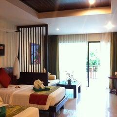 Photo taken at Lanta Resort by Myy P. s. on 8/11/2014