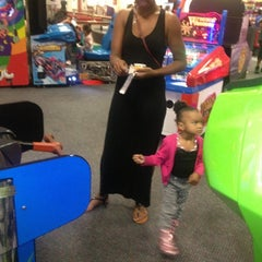Photo taken at Chuck E. Cheese's by Yvette C. on 10/30/2012