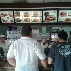 Photo taken at McDonald's by Vitor I. on 9/20/2011