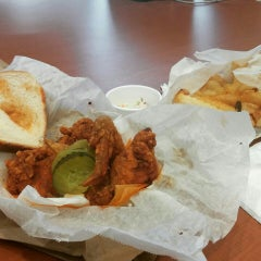 Photo taken at Prince's Hot Chicken Shack by Val G. on 9/16/2015