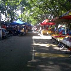 Photo taken at Pasar Malam Jalan Kuching by Neroshen T. on 5/9/2013