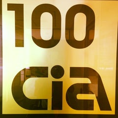 Photo taken at 100 Cia Café & Catering by Gema R. Q. on 7/4/2014