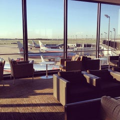Photo taken at American Airlines Admirals Club by Yvette U. on 5/12/2013