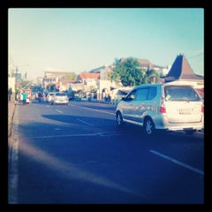Photo taken at Sayidan, Yogyakarta by Devy N. on 8/12/2013