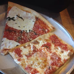 Photo taken at Vinnies Pizzeria & Family Restaurant by Peter B. on 3/19/2014