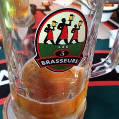 Photo taken at Les 3 Brasseurs by Nicolas S. on 10/3/2014